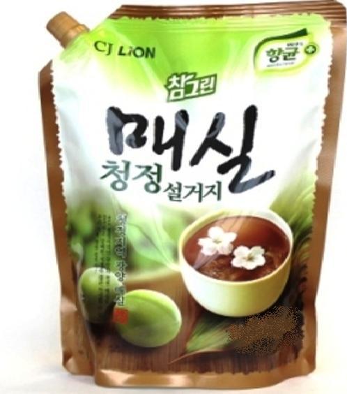 CJ LION Средство для мытья посуды, овощей и фруктов  Японский абрикос пакет 960 мл