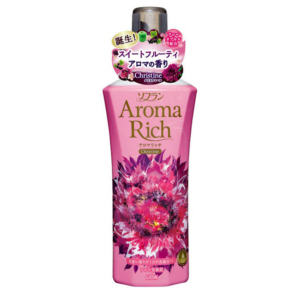 LION Aroma Rich Кондиционер для белья Christine с пряным фруктовым ароматом, флакон 400 мл