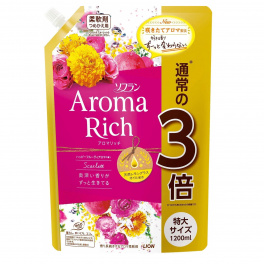 LION Aroma Rich Scarlett Кондиционер для белья с богатым ароматом натуральных масел 1200 мл